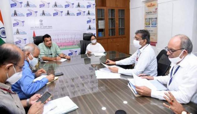 ममता बनर्जी ने नितिन गडकरी से मुलाकात की, बोलीं- अच्छा होगा कि पश्चिम बंगाल को इलेक्ट्रिक व्हीकल मैन्युफैक्चरिंग इंडस्ट्री मिल जाए