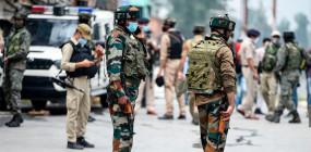 ईद की पूर्व संध्या पर अनंतनाग में आतंकवादियों की फायरिंग, जम्मू-कश्मीर के सिपाही की पत्नी, बेटी पर गोलियां चलाईं