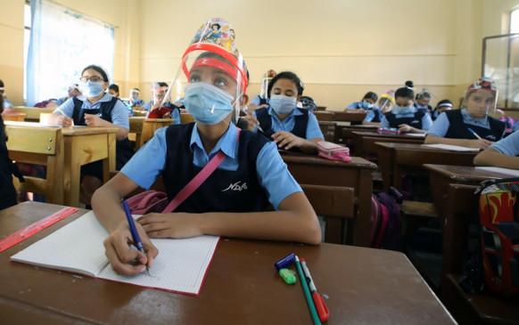 बिहार में धीमी पड़ी कोरोना की रफ्तार, 10वीं तक स्कूल खोलने का प्लान तैयार कर रही है सरकार