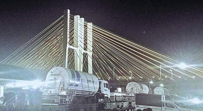 तमिलनाडु से 125 मीट्रिक टन लिक्विड लेकर पहुंचा ऑक्सीजन स्टोरेज टैंक