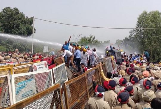 पंजाब में 'पावर' पॉलिटिक्स, बिजली कटौती के विरोध में सड़क पर उतरे आप कार्यकर्ता