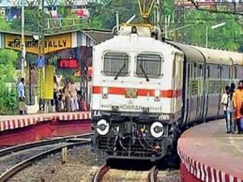 बारिश से रेल यातायात प्रभावित :  गोंदिया–कोल्हापुर स्पेशल ट्रेन मिरज तक