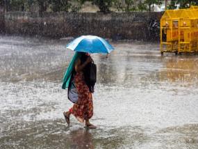बारिश ने माहौल में घोली ठण्डक -दक्षिणी पश्चिमी मप्र से नमी भरी हवाएँ आ रही