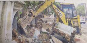 फ्लाईओवर निर्माण रास्ते में अब भी डायवर्सन का विकल्प नहीं