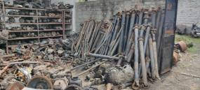 कबाड़खाने में रखे हुए थे ट्रक एवं जनरेटर के इंजन, क्राइम ब्रांच ने मारा छापा