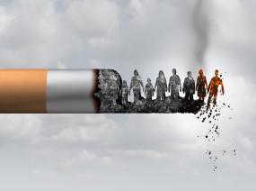 धूम्रपान करने वाली महिलाएं हो जाएं सावधान! कोरोना काल में सिगरेट पीना पड़ेगा भारी