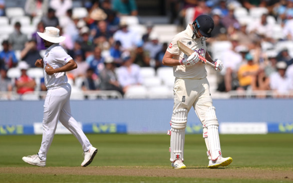 The hosts England. kept losing wickets at regular intervals throughout their innings