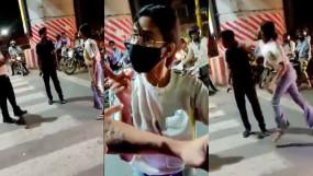 लखनऊ में ट्रैफिक सिग्नल पर कैब ड्राइवर को पीटने वाली महिला पर FIR, वीडियो वायरल होने के बाद से हो रही थी गिरफ्तारी की मांग