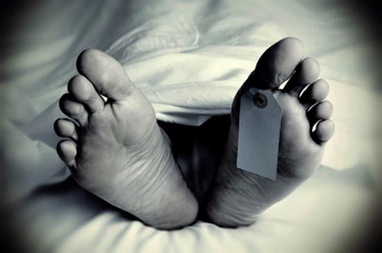 नीट परीक्षा से पहले सुबह 19 साल का लड़का मृत मिला