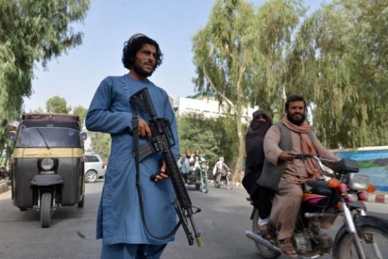 तालिबान लड़ाकों ने महिला डॉक्टर के घर पर धावा बोला