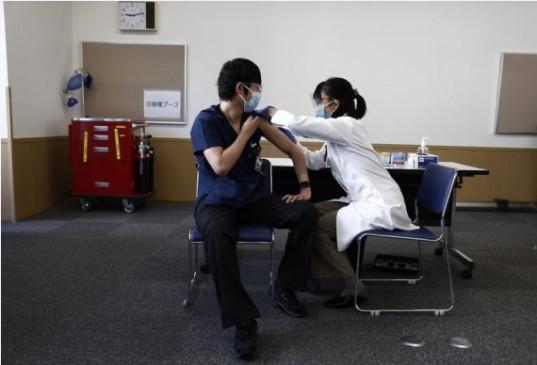 जापान की 50 प्रतिशत से अधिक आबादी का पूर्ण टीकाकरण, कोरोनोवायरस प्रतिक्रिया के प्रभारी मंत्री ने दी जानकारी - bhaskarhindi.com
