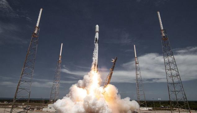 स्पेसएक्स ने मई से अब तक 51 स्टारलिंक इंटरनेट सैटेलाइट किया पेश