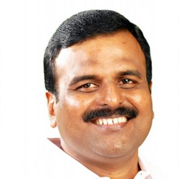 कांग्रेस छोड़ने के बाद केरल में माकपा ने अनिल कुमार का किया जोरदार स्वागत