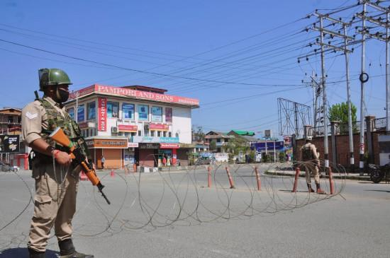 श्रीनगर में बढ़ रहे कोविड-19 के मामले, SOP का उल्लंघन करने वाले क्षेत्रों में सख्त लॉकडाउन की संभावना
