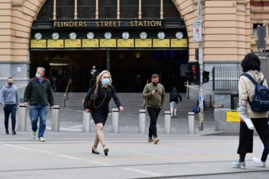 मेलबर्न में हो रहा विरोध प्रदर्शन, स्वास्थ्य कर्मियों की चेतावनी- तेजी से बढ़ सकता है कोविड का प्रकोप