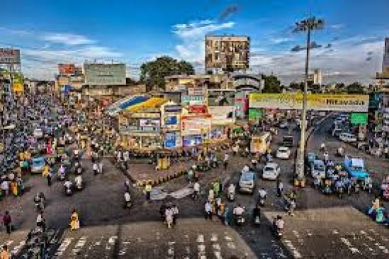 हर माह होने वाला 4 हजार करोड़ रुपए का कारोबार त्योहार में बढ़ जाता है