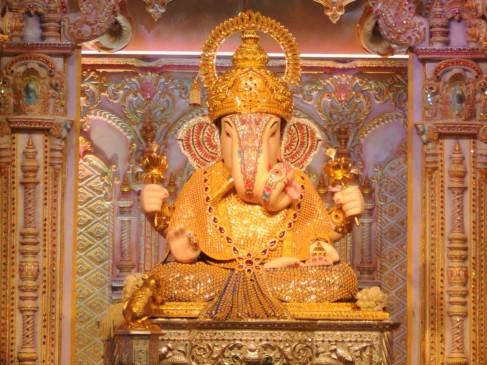 Live Darshan: Dagdusheth Ganpati Temple
