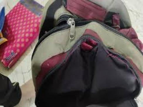बस स्टैंड पर दिनदहाड़े यात्री का पर्स चोरी, 2.88 लाख का था माल