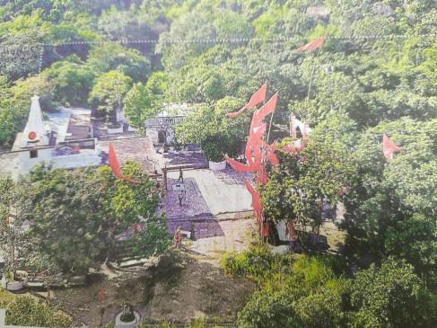 शारदा देवी मंदिर मदन महल : मुगल बादशाह को शिकस्त देने के बाद शुरू हुई ध्वज अर्पण की परम्परा